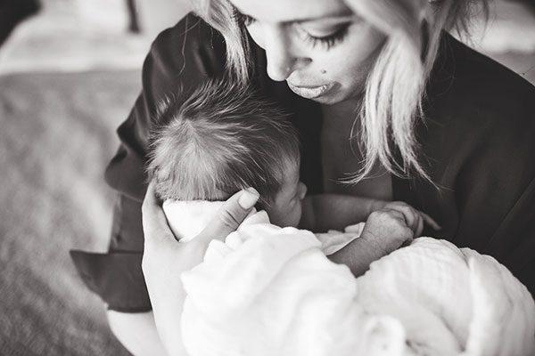 ژست عکاسی مادر و فرزند