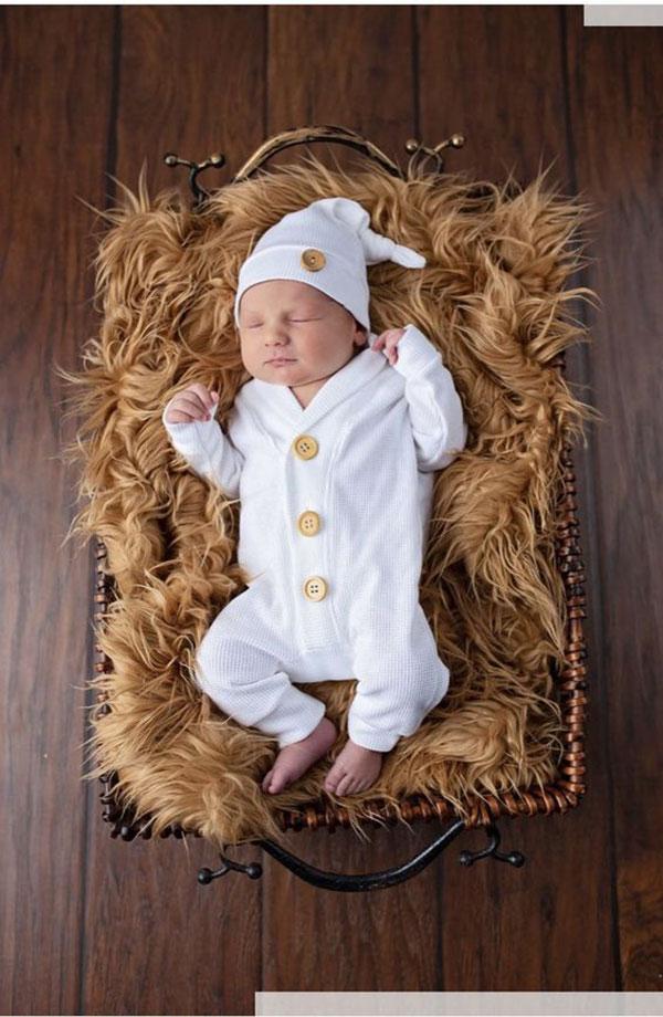 ایده عکس نوزاد در تخت