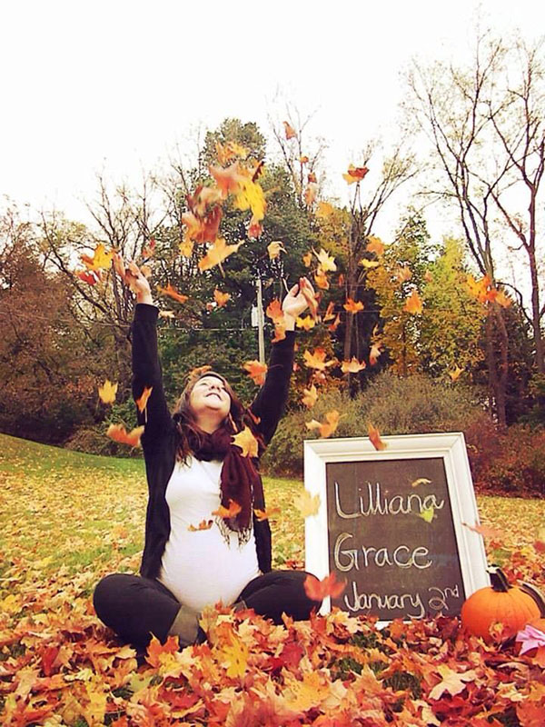 ایده عکس بارداری در پاییز