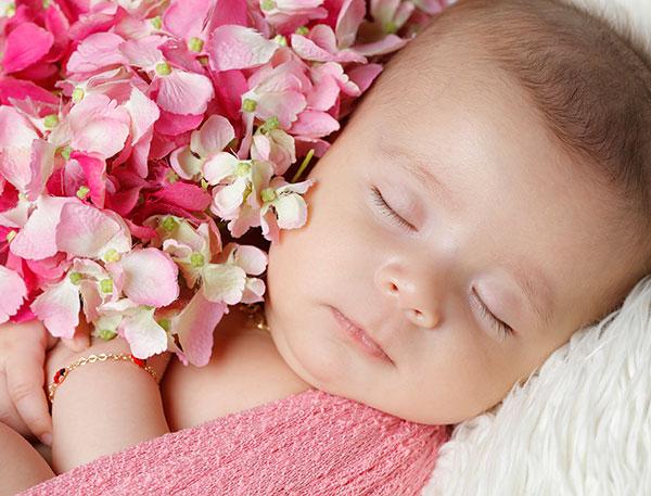 عکاسی از نوزاد دختر
