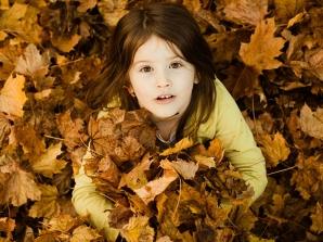 ایده عکاسی کودک در پاییز