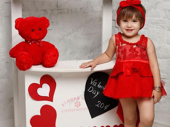 ایده عکاسی ولنتاین برای دختر بچه