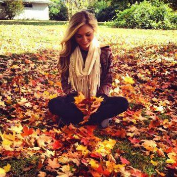 ایده عکس دختر در پاییز