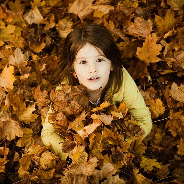 عکاسی کودک در پاییز
