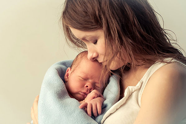 ایده عکس نوزاد با مادر