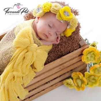 عکاسی نوزاد با تم رنگ زرد